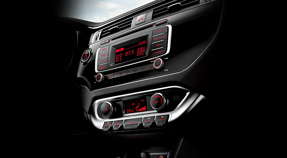Kia Rio 4-door Interior Center fascia